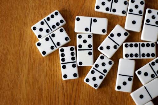 Wujud Manipulasi Yang Ada Dalam Permainan Domino Indonesia